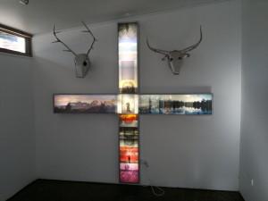 lightbox cross